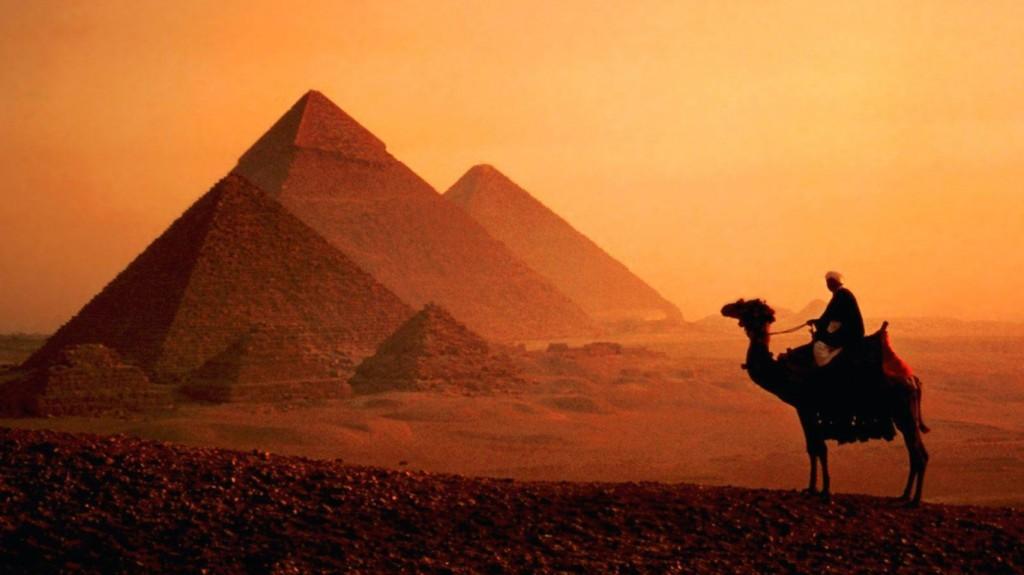 Dusk-Camel-Pyramids-Cairo-Egypt-Wallpaper-768x1366